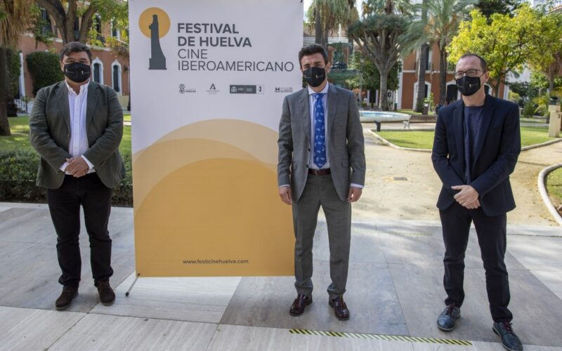 Cajasur renueva su compromiso con el Festival de Cine de Huelva